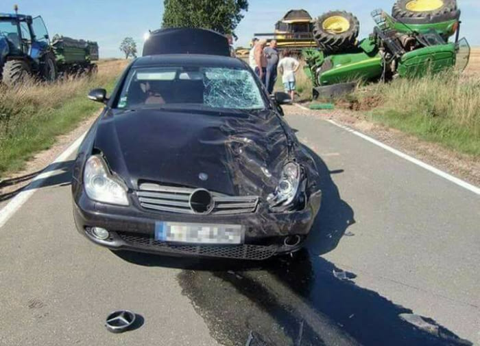 Tracteur vs mercedes